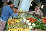 djerba;houmt;souk;ile;jerba;march�;marche;Legumes;fruits;