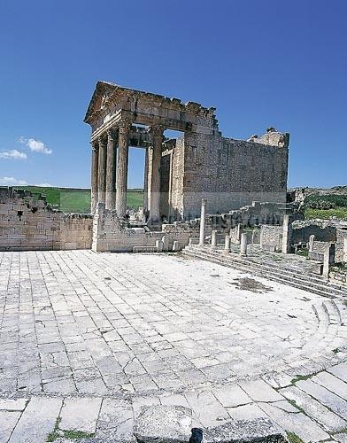 architecture antique;antiquite;romain;dougga;capitole;temple;place