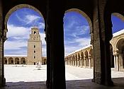 kairouan;architecture-musulmane;Minaret;Mosquee;Mosqu�e;cour;interieur;islam;colonne