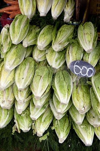 marché;légumes;poissons;marché central;fromages;olives;vendeur