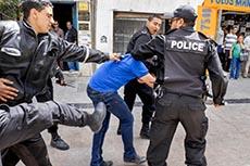 Affrontements police et pro Azyz
