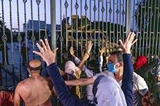 Ghannouchi interdit par l'armée d'entrer à l'ARP en sit-in avec ses partisans