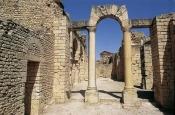 architecture-antique;antiquite;romain;dougga;frigidarium;thermes