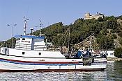 Port-de-peche-de-Tabarka-avec-au-fond-le-fort-genois