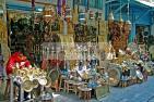 artisan;artisanat;cuivre;medina;shopping;souk;tunis;tradition;