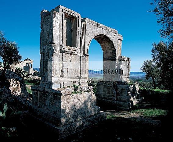 architecture;antique;antiquite;romain;dougga;arc;porte;